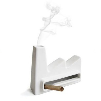 ashtrayfactory_feher.jpg