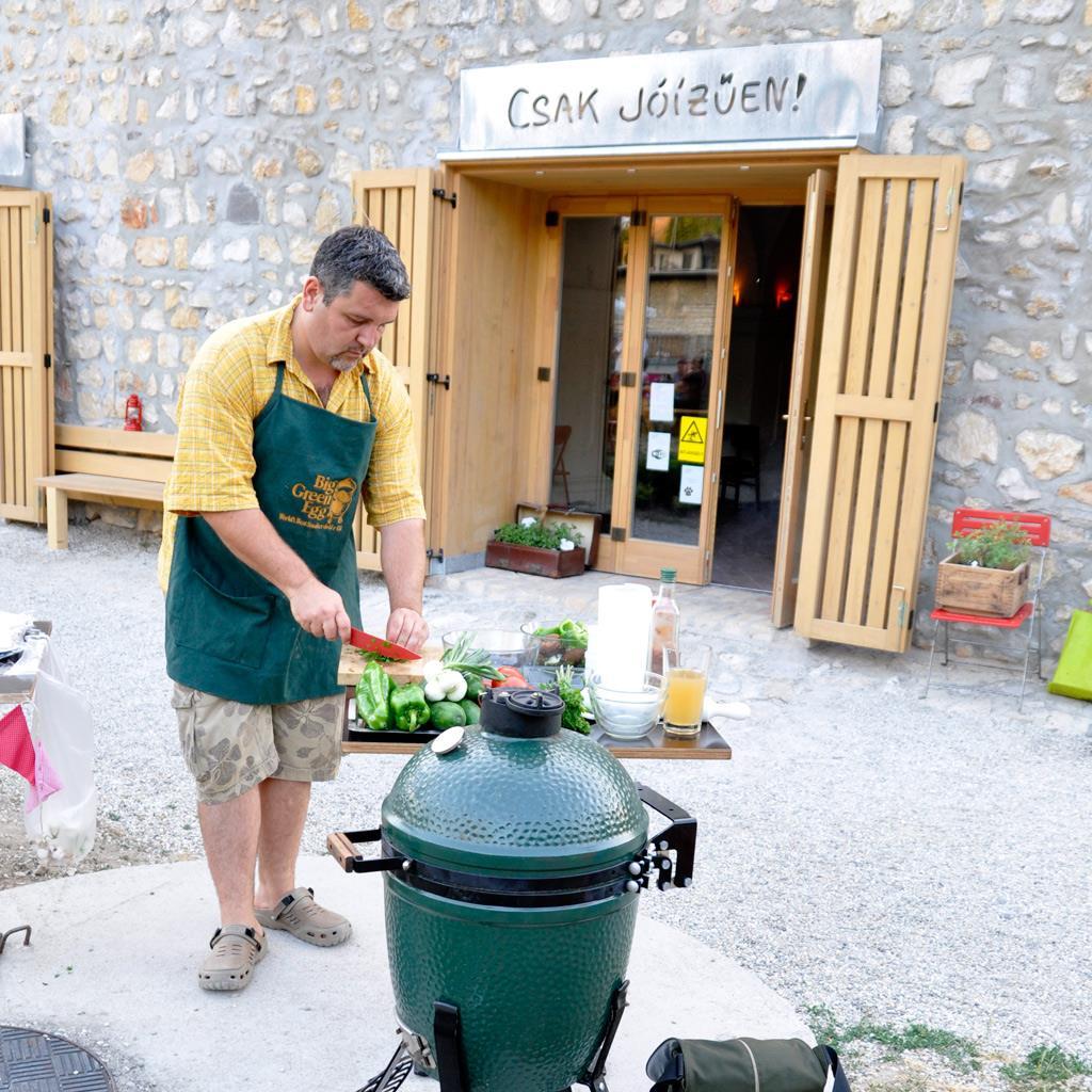 Grill'n'Chill Veszprémben a Fricska udvarán